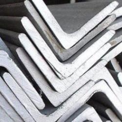 Уголок равнополочний сталь 09Г2С. Цена от 30 грн./кг